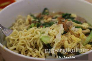 Foto 2 - Makanan di Bakso Lapangan Tembak Senayan oleh UrsAndNic