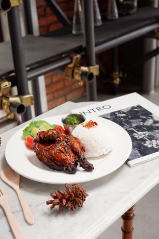 Foto review Intro Jazz Bistro & Cafe oleh thehandsofcuisine  7