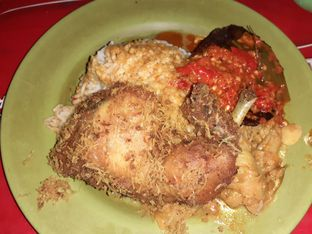 Foto 2 - Makanan di Nasi Kapau Uni Upik oleh Threesiana Dheriyani