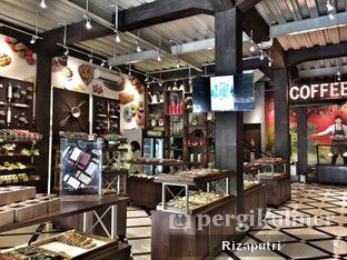 Foto 6 - Interior di Royale Bakery Cafe oleh Riza Indrianti Putri