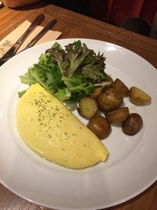 Foto 3 - Makanan(Truffle Omelette) di Pancious oleh San Der