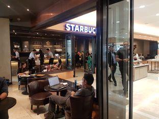 Foto 6 - Interior di Starbucks Reserve oleh Lid wen