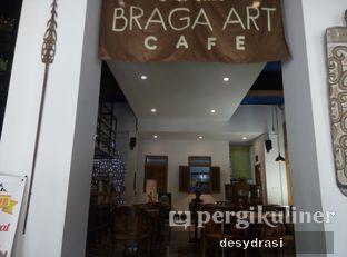 Foto 5 - Interior di Braga Art Cafe oleh Desy Mustika