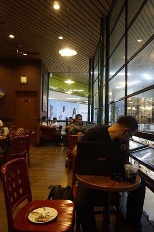 Foto 4 - Interior di Starbucks Coffee oleh yudistira ishak abrar