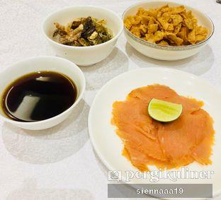 Foto 4 - Makanan(YUN SHENG (CNY EDITION)) di Pearl - Hotel JW Marriott oleh Sienna Paramitha