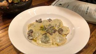 Foto 5 - Makanan(Truffle Cream Mushroom Ravioli (IDR 90k) ) di Six Ounces Coffee oleh Renodaneswara @caesarinodswr