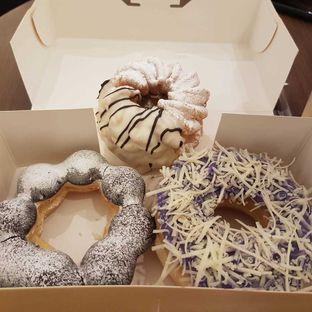 Foto 3 - Makanan di Mister Donut oleh vio kal