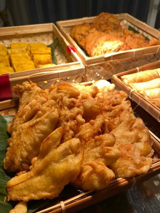 Foto review Pelangi Cafe - Ambhara Hotel oleh Yohanacandra (@kulinerkapandiet) 4