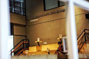 Foto 8 - Interior di Upnormal Coffee Roasters oleh Fadhlur Rohman