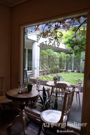 Foto 12 - Interior di Exquise Patisserie oleh Darsehsri Handayani