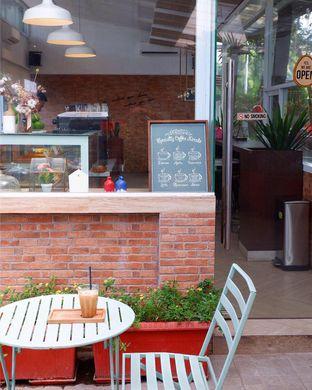 Foto 6 - Interior di Terra Coffee and Patisserie oleh yudistira ishak abrar