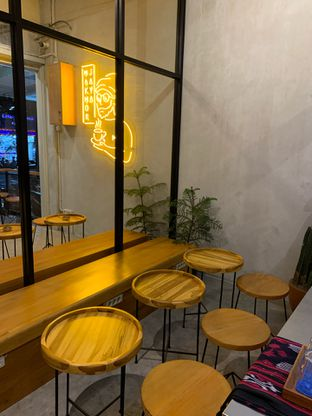 Foto 3 - Interior di Makmur Jaya Coffee Roaster oleh Isabella Chandra