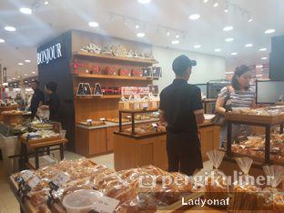 Foto 2 - Interior di Bonjour Bakery oleh Ladyonaf @placetogoandeat