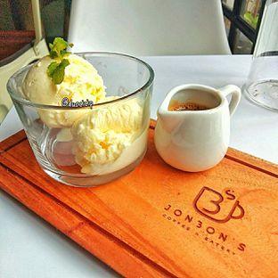 Foto 2 - Makanan(affogato) di Jonbon's Coffee & Eatery oleh duocicip