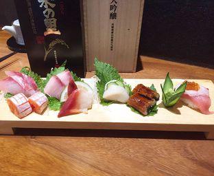 Foto 4 - Makanan(Sashimi) di Sushi Matsu - Hotel Cemara oleh Cindy Moeis