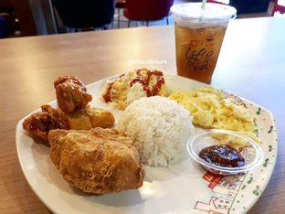 Foto - Makanan di Lotteria oleh Eat and Leisure