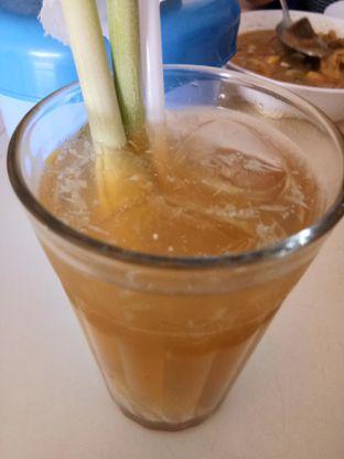 Foto 2 - Makanan(teh sereh nipis) di Soto Sapi Betawi Lokasari oleh Komentator Isenk