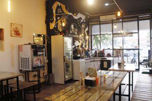 Foto 8 - Interior di Bajaj Coffee oleh Novita Purnamasari