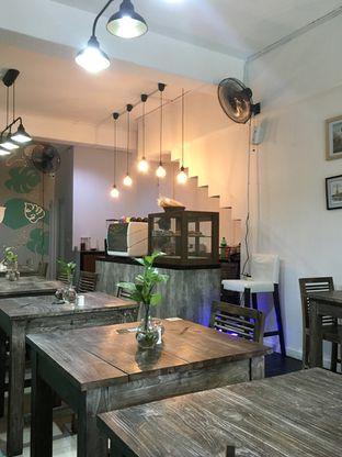 Foto 4 - Interior di PLUIE Cafe & Resto oleh Prido ZH