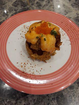 Foto 1 - Makanan(Inari Lava Sushi) di Sushi Go! oleh Niesahandayani