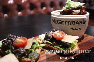 Foto 18 - Makanan(Signature Wings; escargot bruchetta) di McGettigan's oleh UrsAndNic