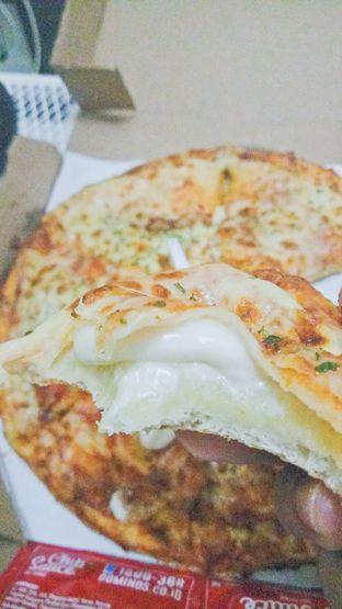 Foto 1 - Makanan di Domino's Pizza oleh IG: biteorbye (Nisa & Nadya)