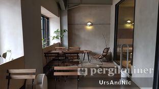 Foto 6 - Interior di Hiveworks Co-Work & Cafe oleh UrsAndNic