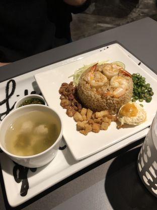 Foto review Greyhound Cafe oleh Erika Karmelia 2