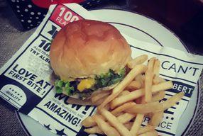 Foto Alberto's Burger Lounge