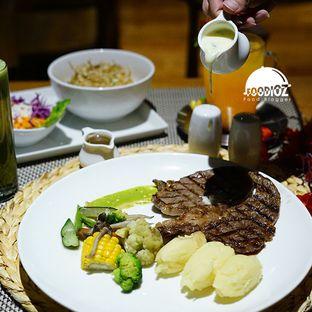 Foto 3 - Makanan di Swiss Cafe - Swiss Belhotel Pondok Indah oleh IG: FOODIOZ