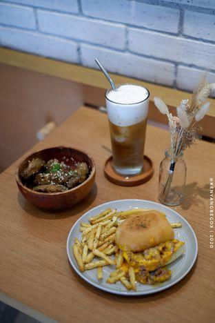 Foto 5 - Makanan di Bukan Ruang oleh Vionna & Tommy