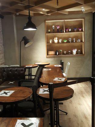 Foto 3 - Interior di KOI The oleh Stallone Tjia (Instagram: @Stallonation)