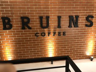 Foto 9 - Interior di Bruins Coffee oleh Nadia  Kurniati