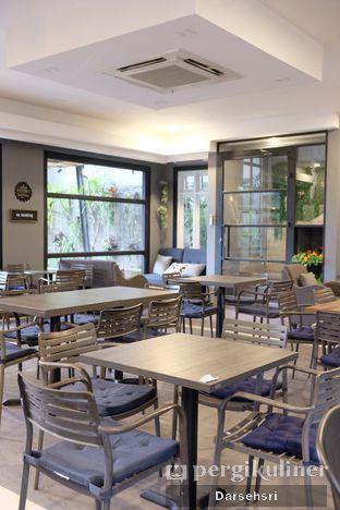 Foto 8 - Interior di Acclamare Coffee & Companion oleh Darsehsri Handayani