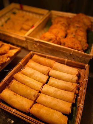 Foto review Pelangi Cafe - Ambhara Hotel oleh Yohanacandra (@kulinerkapandiet) 7