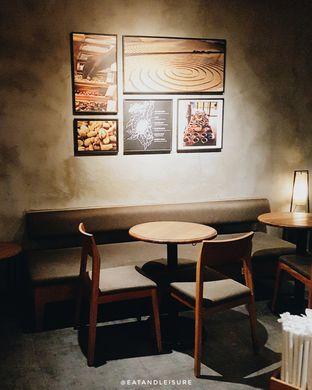Foto 2 - Interior di Starbucks Coffee oleh Eat and Leisure