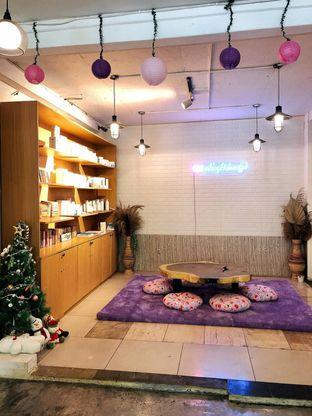 Foto 2 - Interior di Mukbang Kitchen & Coffee oleh kdsct