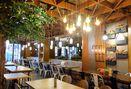 Foto Interior di De Cafe Rooftop Garden