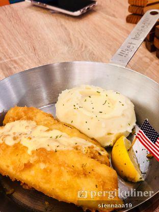 Foto 2 - Makanan(New York Fish & Chips) di Fish & Co. oleh Sienna Paramitha