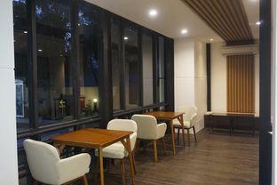 Foto 8 - Interior di Simetri Coffee Roasters oleh yudistira ishak abrar