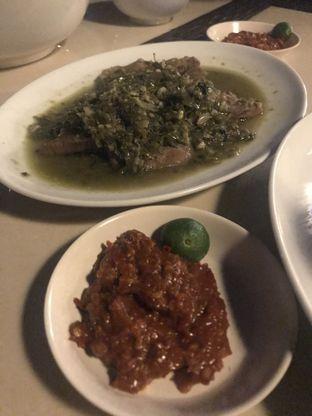 Foto 1 - Makanan(Lidah Cabai Hijau Dan Sambal Terasi) di Talaga Sampireun oleh Raisa Cynthia
