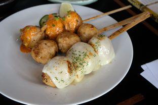 Foto 8 - Makanan(tori tsukune kushiyaki 3 kinds moriawase) di Enmaru oleh Pengembara Rasa