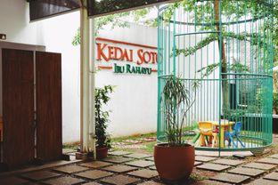 Foto 8 - Interior di Kedai Soto Ibu Rahayu oleh Indra Mulia