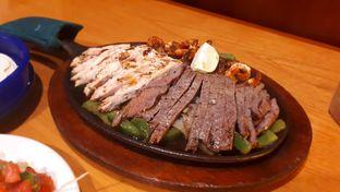 Foto 3 - Makanan di Chili's Grill and Bar oleh Velia