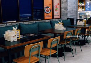 Foto 31 - Interior di The People's Cafe oleh Indra Mulia