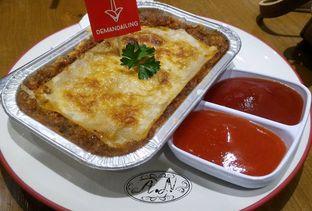 Foto 2 - Makanan(Baked Lasagna Bolognese) di De Mandailing Cafe N Eatery oleh Anggriani Nugraha