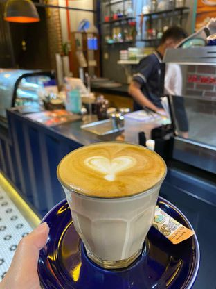 Foto review Metropole Coffee oleh Cheristine Wohangara 5
