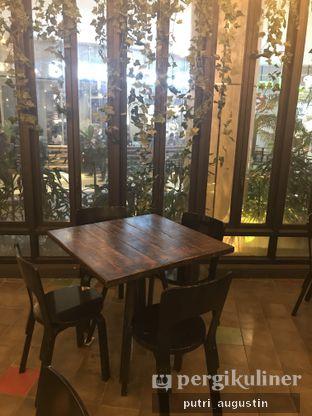Foto 6 - Interior di Babochkaa Bistro & Coffee Bar oleh Putri Augustin