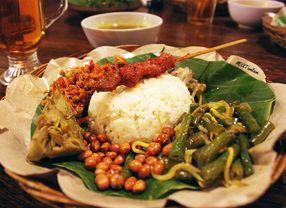 8 Tempat Makan Enak di Tebet yang Harganya di Bawah Rp 50.000,-