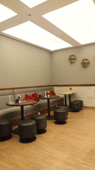Foto 2 - Interior di Tavor Cafe oleh Ratu Aghnia